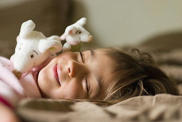 hausstauballergie bei kindern und neurodermitis. Black Bedroom Furniture Sets. Home Design Ideas